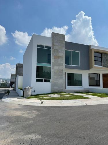 Imagen 1 de 22 de Estrena Casa Entre El Refugio Y Zibata, 4ta Recamara En Pb,