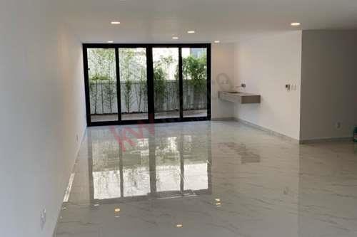 Excelente Oportunidad Para Renta De Casa En Naucalpan Con Acabados Extraordinarios Y Excelente Ubicación.