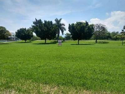 Terreno En Venta En Paraíso Country Club.