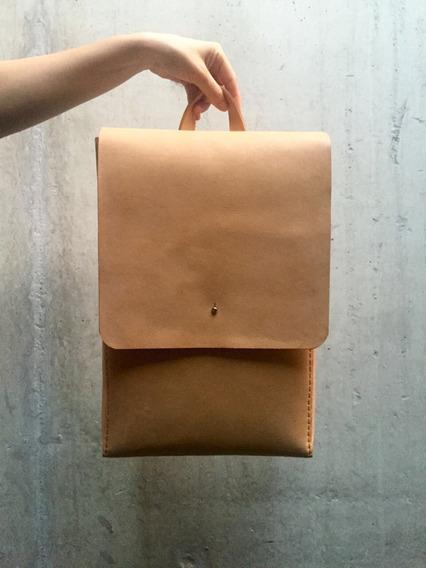 Backpack-mochila En Cuero Vacuno. Cosida A Mano.