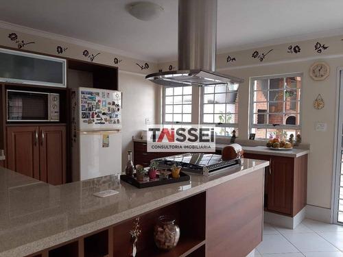 Sobrado 275m², 03 Dormitórios, 01 Suíte, 04 Vagas - Ca0074