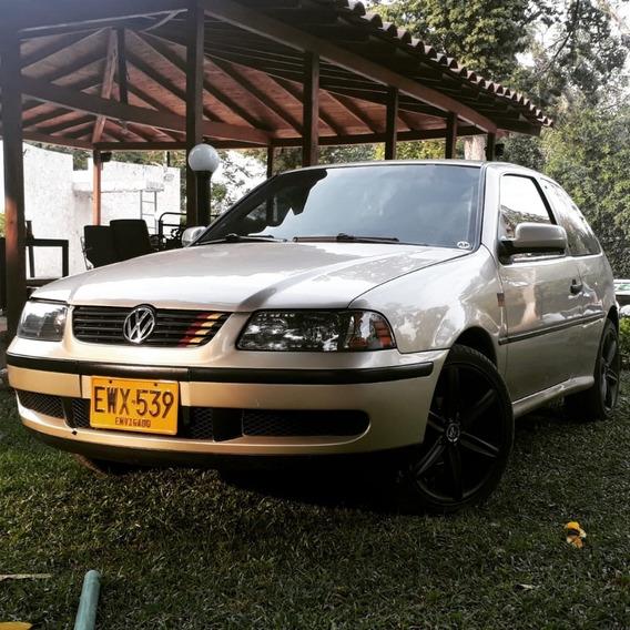 Volkswagen Gol Motor 1.8 Beige 2 Puertas