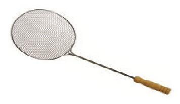 Imagem 1 de 1 de Escumadeira Telada Para Frituras 41 X 11,5 Cms Número 2
