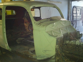 Ford 1935 Standart Tudor Sedan, Con Todas Sus Piezas