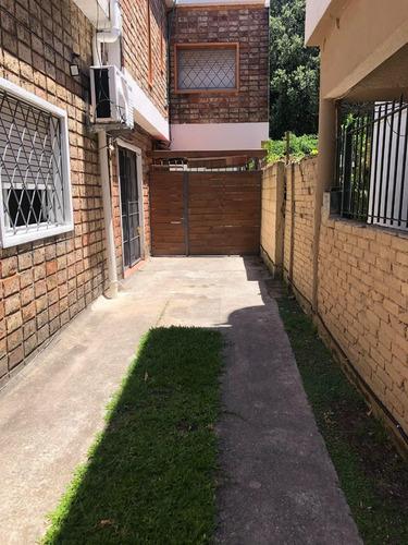 Tipo Casa Sin Gc,con Cochera, Terraza, A Pasos Del Prado.