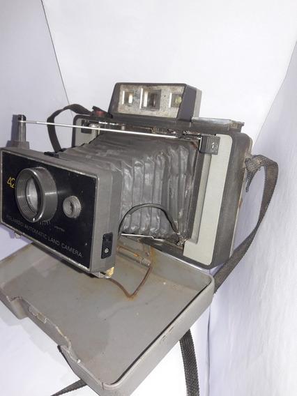 Maquinas Fotograficas 3 Polaroides Sendo Uma Sanfona