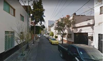 C5050 Casa De Dos Niveles En Del. Cuauhtemoc
