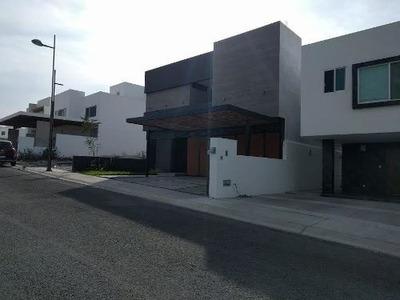 Hermosa Casa En Lomas De Juriquilla,estupendos Acabados,hermosa Con Terreno 270