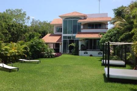 Preciosa Residencia En Lagos Del Sol - Cancun Amueblada