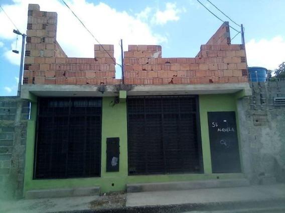 Comercial En Venta Cabudare Centro, Al 20-17494