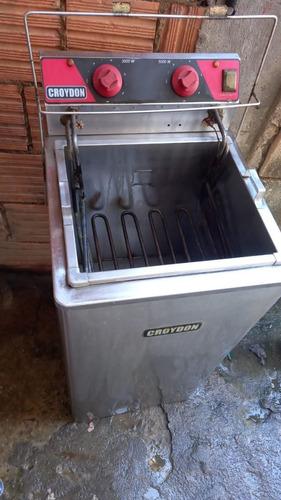 Imagem 1 de 1 de Vende Ser Fritadeira Elétrica Água E Óleo Motivo Comprar Um