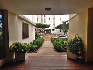 Apartamento En Venta La Florida 20-3097 Sumy Hernandez