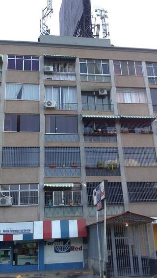 Apartamento En Alquiler En Colinas De Bello Monte