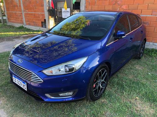 Ford Focus 5p Titanium At
