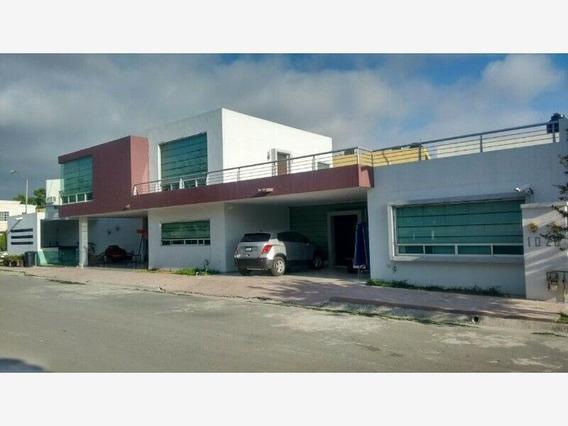 Casa En Venta En Residencial Las Palmas