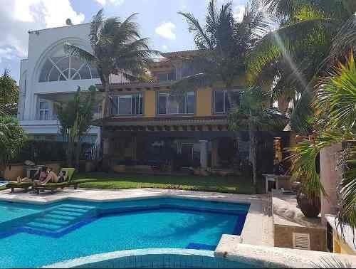 Exclusiva Residencia Frente Al Mar Zona Hotelera En Cancún