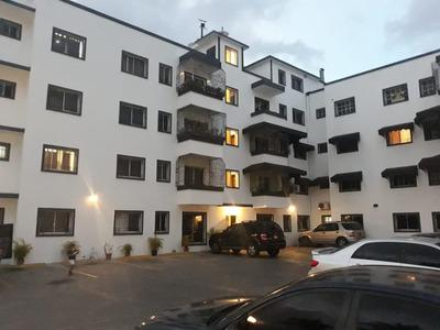 Apartamento En Venta En Arroyo Hondo De 2 Habitaciones.