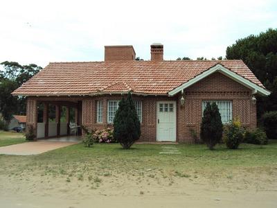 Venta De Casa En Valeria Del Mar - Pinamar.