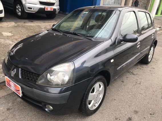 Renault - Clio Privilege 1.6 - 2006