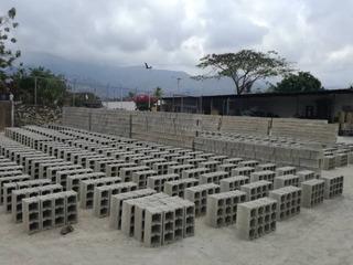 Bloque Gris O De Cemento O Concreto De 10 Y 15cm