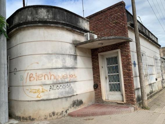 Venta Casa A Refaccionar. 25 De Mayo Y Derqui, Junín.