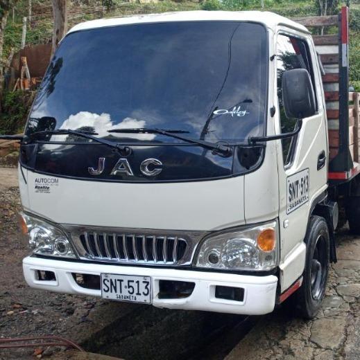 Camión -planchón- Ferretero Tipo Estacas 2,3 Ton
