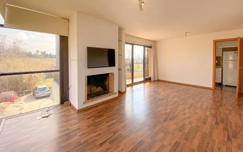 Imagen 1 de 10 de Apartamento Con Renta, 2d Con Estufa Y Parrillero