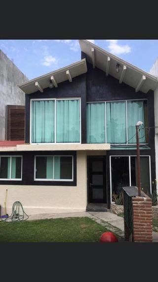 Hermosa Casa Tipo Cabaña.
