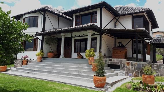 En Venta Casa Tipo Quinta Estilo Rustico -valle Los Chillos