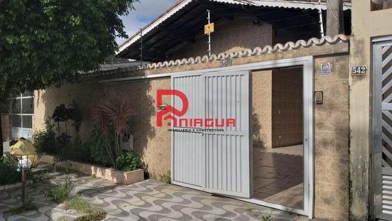 Casa Com 3 Dorms, Canto Do Forte, Praia Grande - R$ 800 Mil, Cod: 844 - A844