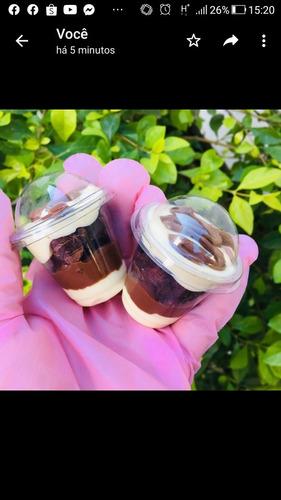 Imagem 1 de 5 de Minis Brownies No Copinho Ou Forminha