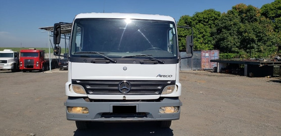 M.b Atego 2425 2008/08 8x2 4eixos 549025km (6891)