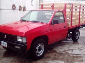 Nissan Estaquitas Roja