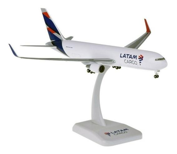 Miniatura Latam Cargo Boeing 767-300f Hogan Wings 1/200