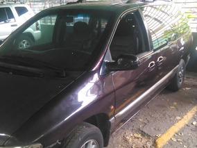 Chrysler Grand Caravan Full Equipo