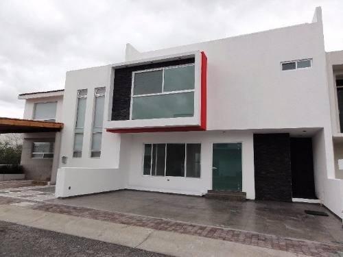 Hermosa Residencia En Venta En El Mirador, 3 Recámaras, Roof Garden, Estudio..