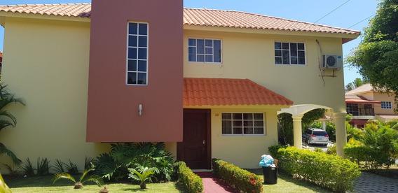 Casa En El Residencial Ebano - San Isidro