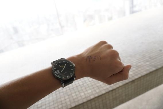 Relógio De Pulso Preto E Branco (sem Bateria)