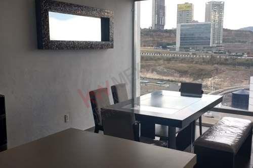 Casa En Venta En Milenio 111 Con Vista A La Cuesta China , De 3 Niveles Hacia Abajo.