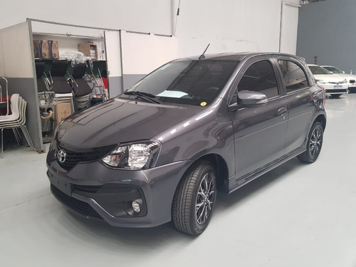 Toyota Etios Xls 6mt 5p Okm My 2021 Gris Oscuro