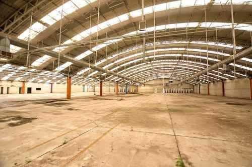 Nave Industrial Y Oficinas Administrativas En Tlaxco