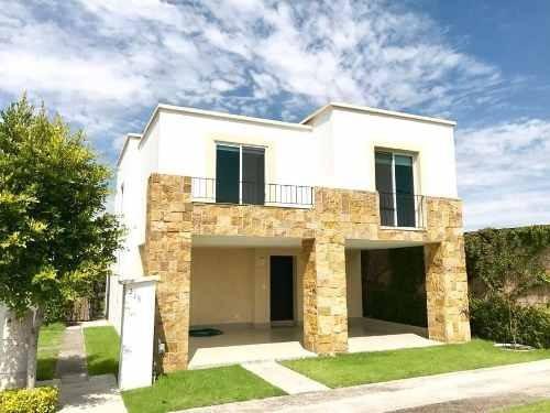 Se Vende Hermosa Casa En Lomas De Angelópolis Residencial El Deseo