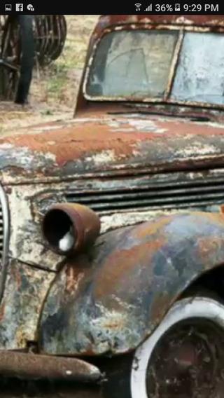 Antigua Unidad De Carcancha Auto Antiguo Faro Clasico
