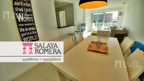Apartamento En  Venta 2 Dormitorios 2 Baños A Metros De Playa Brava, Punta Del Este