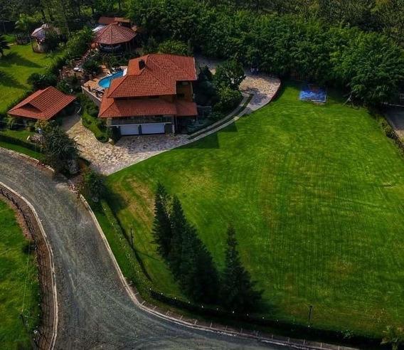 Villa En Venta En Jarabacoa- La Vega C/piscina- Amueblada
