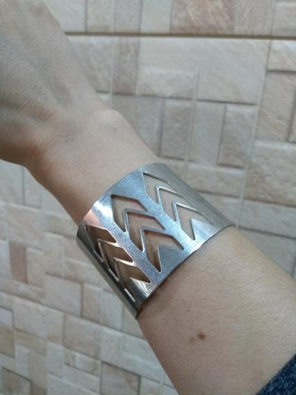 Bracelete/ Pulseira Com Vazados! Nova