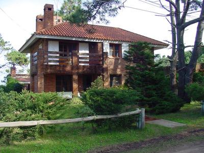 Gran Chalet En Barrio La Balconada, 5 Dormitorios, 3 Baños