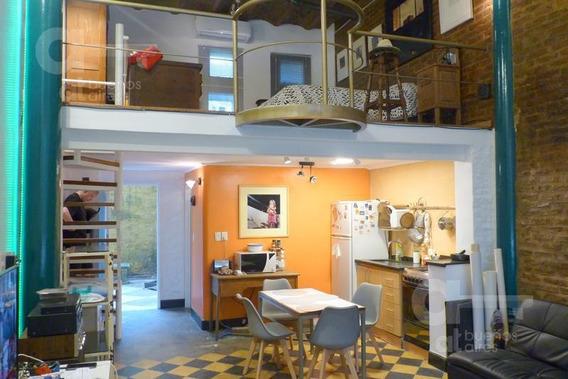 San Telmo. Loft Reciclado Con Entrepiso. Alquiler Temporario Sin Garantías.