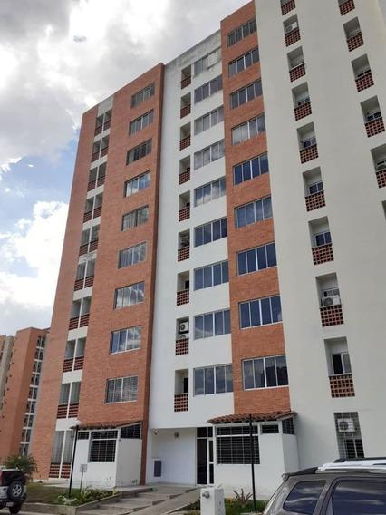 Apartamento En Mañongo, Res. Doral Country Foa-874