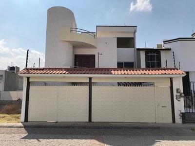 Departamento En Renta En Milenio 3era Seccion, Queretaro, Rah-mx-19-50